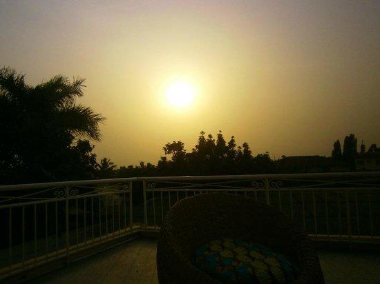 Agoo Hostel: The sunset from the balcony