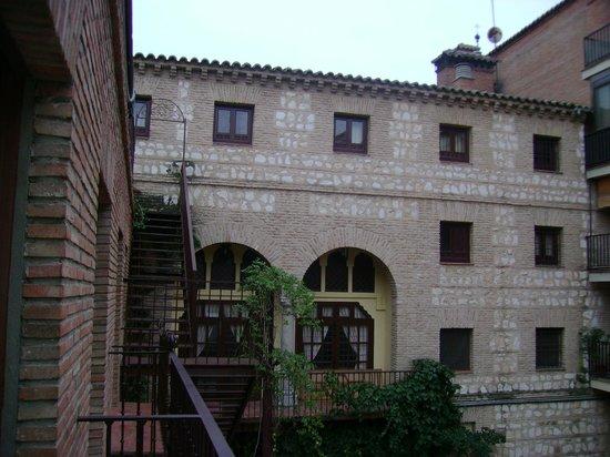 Hotel Maria Cristina: patio interior
