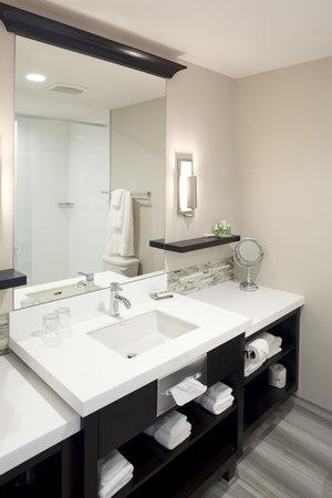 Hotel Shediac: Standard Bathroom