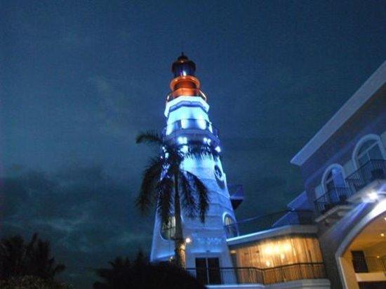The Lighthouse Marina Resort: The Lighthouse