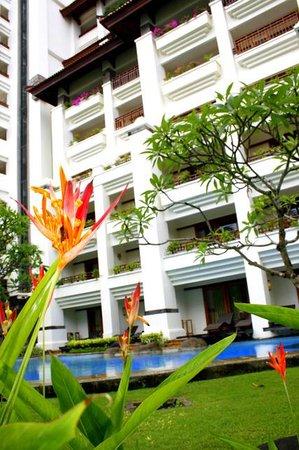 Grand Nikko Bali: Pool area