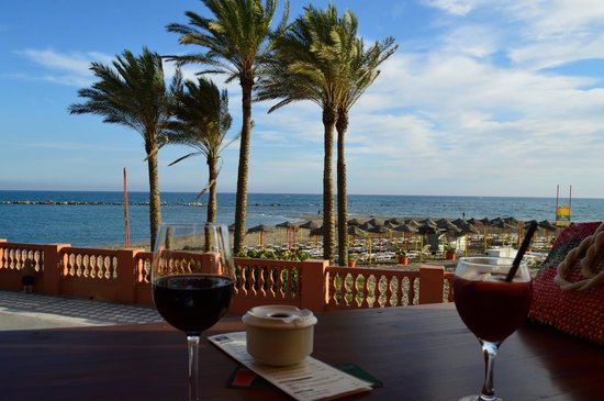 Hotel Best Benalmadena : small bar on the promenade