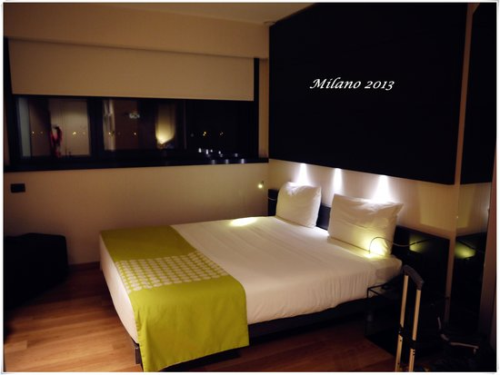 The Hub Hotel: hotel room