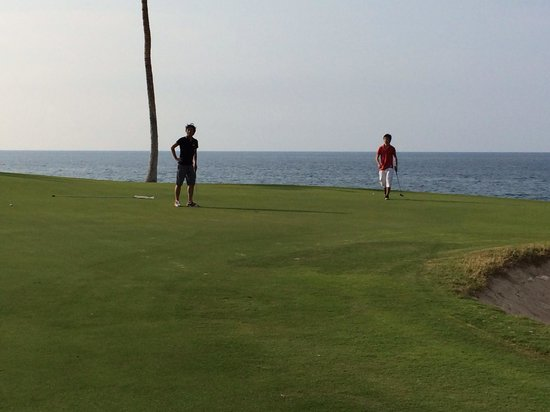 Waikoloa Beach Golf Course: 海が、目の前のコース