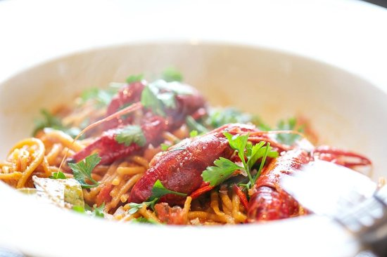 Nila: pasta fresca con cangrejo