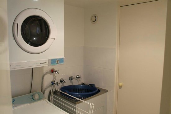 Pacific Towers Beach Resort: Apt 1602 - Separate Laundry room