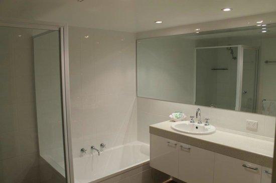 Apt 1602 Main Bathroom From Left Shower Cubicle Bath Vanity
