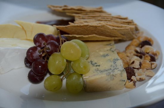 Ramada Resort Shoal Bay : Finished off with a King Island Cheese Platter