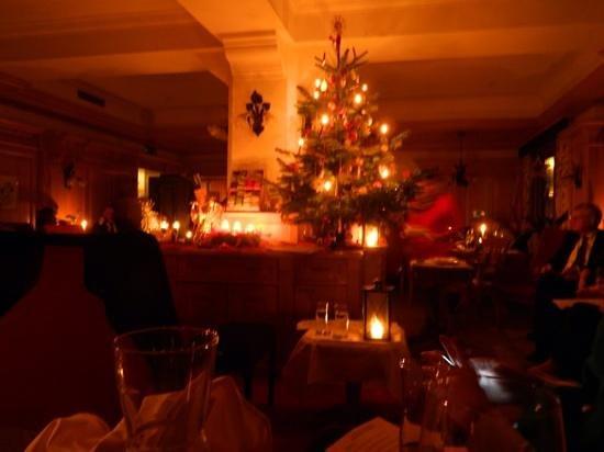 Haus Strutzenberger: Hubertushof Christmas Eve