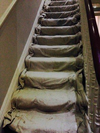 Ibis Styles London Croydon: travaux dans les escaliers,commencé samedi à 8h du matin