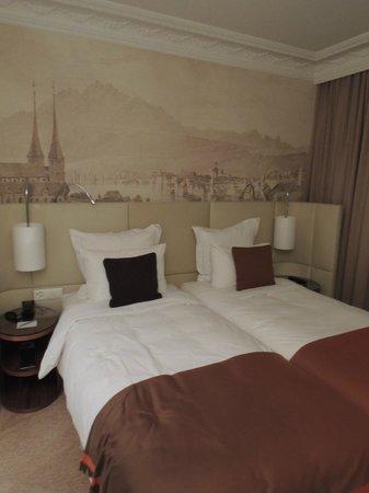Renaissance Lucerne Hotel: Comfortable Beds