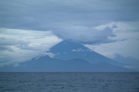 Sudamala Suites & Villas Senggigi : Looking across the Strait to Mt. Agong in Bali