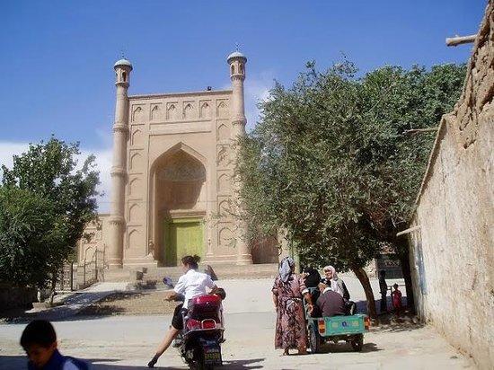 Kuqa County, Китай: 整った美しいモスク