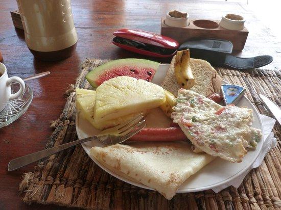 Mbuyuni Beach Village: Breakfast