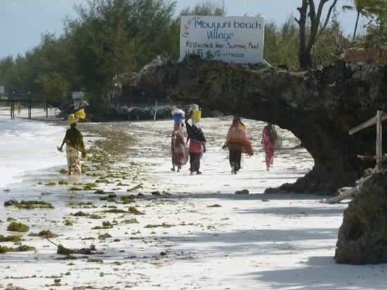Mbuyuni Beach Village: Locals business women