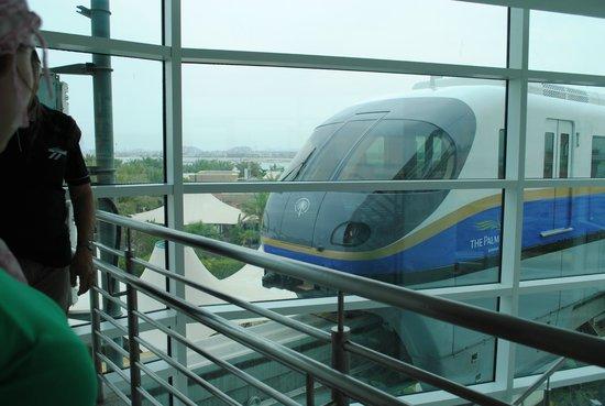 Palm Jumeirah : Поезд монорельса