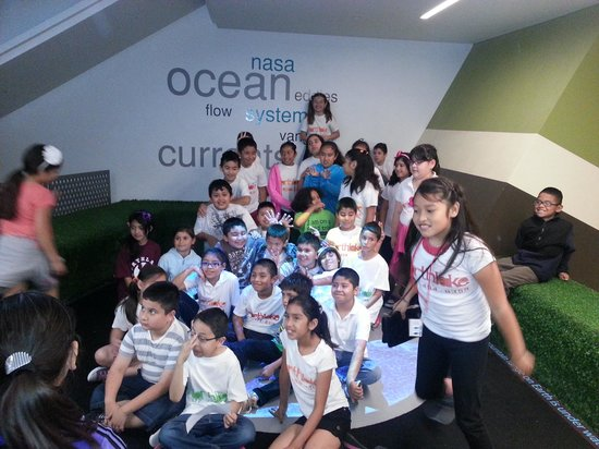 Perot Museum of Nature and Science: 3rd grade class
