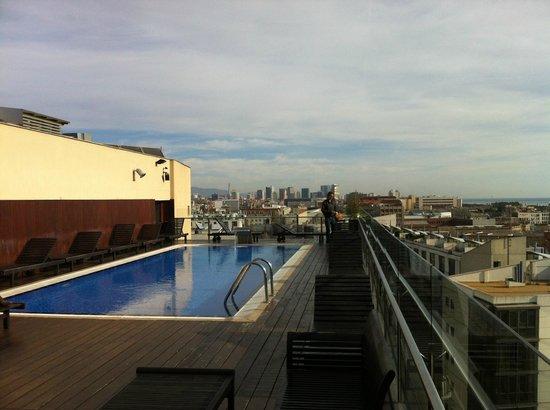 H10 Marina Barcelona Hotel: West View of Barcelona
