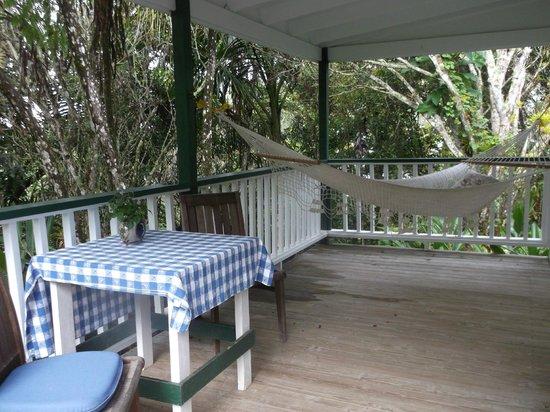Hacienda Pomarrosa: Front porch of our cottage