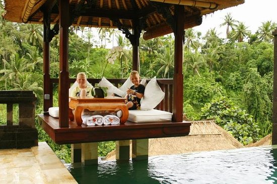 Viceroy Bali: Two boys lapping up their 5 star luxury