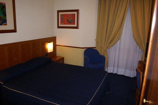 Pacific Hotel Fortino: Camera