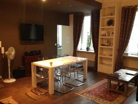 Chmielna Guest House: living room