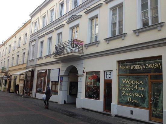 Chmielna Guest House: Chmielna street