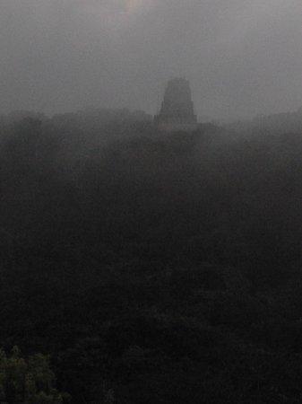 Hotel Tikal Inn: Complimentary sunrise tour