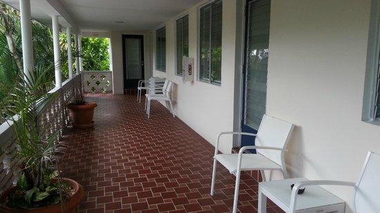 Winterset Hotel: pasillo al lado de la habitacion