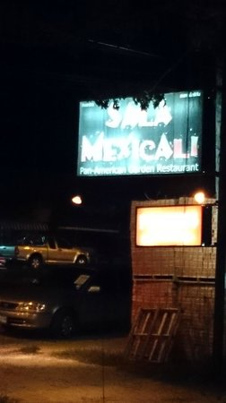 Sala Mexicali: 店の看板