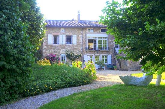 Le Meix Des Fort: Maison depuis les jardins.
