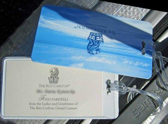 The Ritz-Carlton, Grand Cayman: Cute bag tags