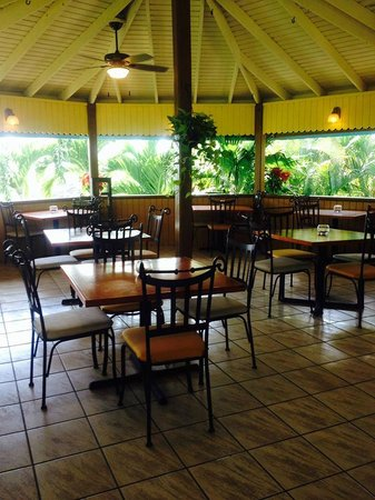 Francisco's Caribbean Local Cuisine: Main Dining Pavillon