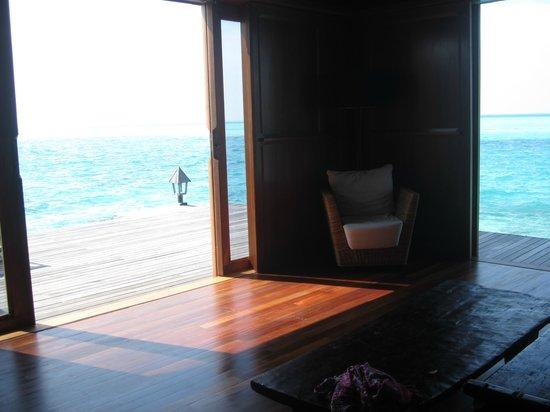 Gangehi Island Resort: Vista OverWater Deluxe