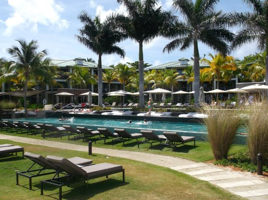 Busy Pool Picture Of W Retreat Spa Vieques Isla De