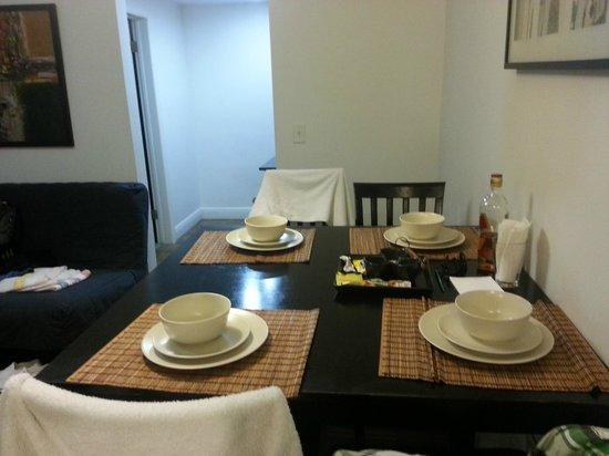 Ocean Reef Suites: sala comedor