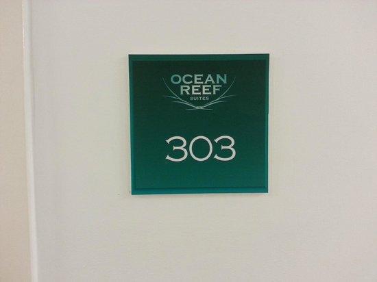 Ocean Reef Suites: habitacion