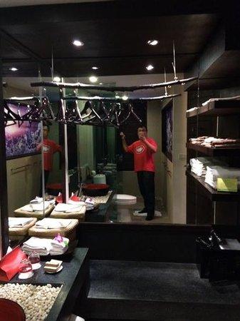 Kirikayan Boutique Resort: bathroom in duplex room