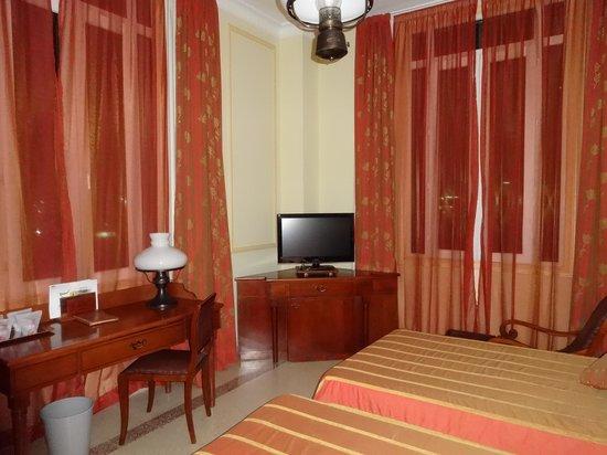 Hotel Mercure Sevilla Havane: 部屋