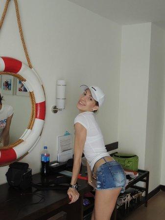 A-One The Royal Cruise Hotel: уютно оформлен номер
