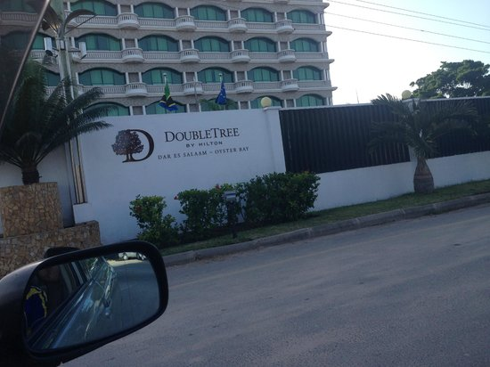 DoubleTree by Hilton Dar es Salaam-Oysterbay: view from outside
