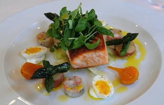Trius Winery Restaurant: Nova Scotia Salmon Fillet, photo by Mike Keenan