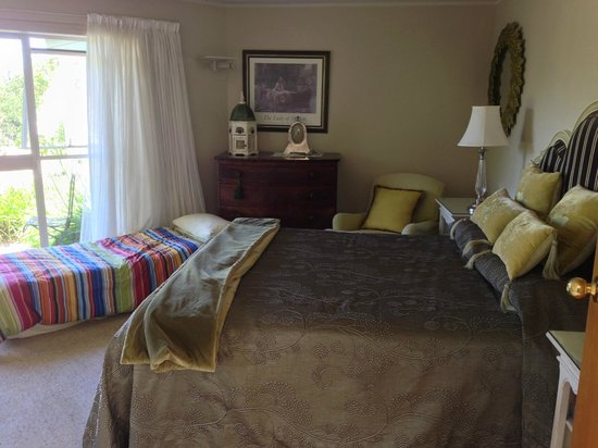 Doolan's Country Retreat : The Quail Room which we were upgraded to.