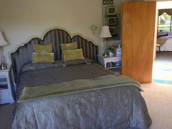 Doolan's Country Retreat : the Quail Room