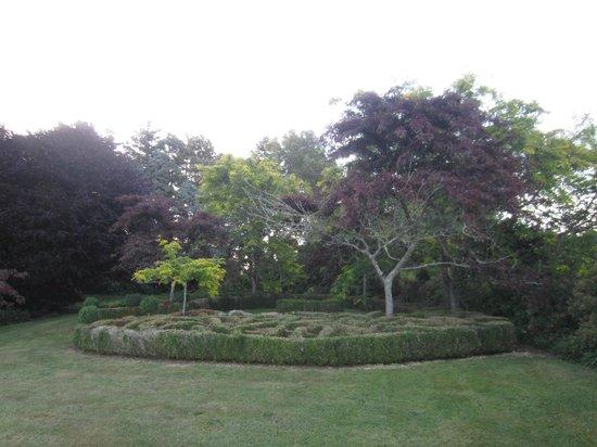 Doolan's Country Retreat : garden