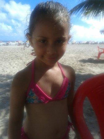 Tupi Beach: minha neta camilla