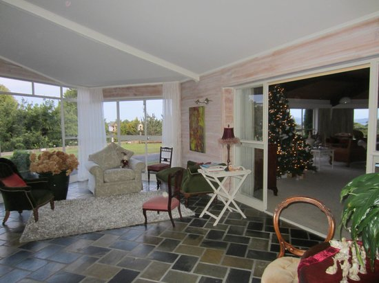 Doolan's Country Retreat: common area