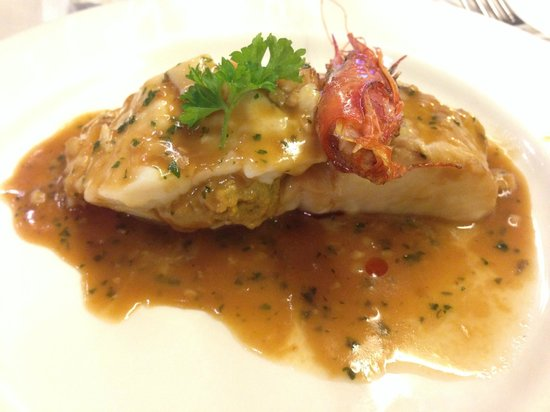 Sagardi Valencia Centro : Merluza rellena de gambas y salsa de marisco