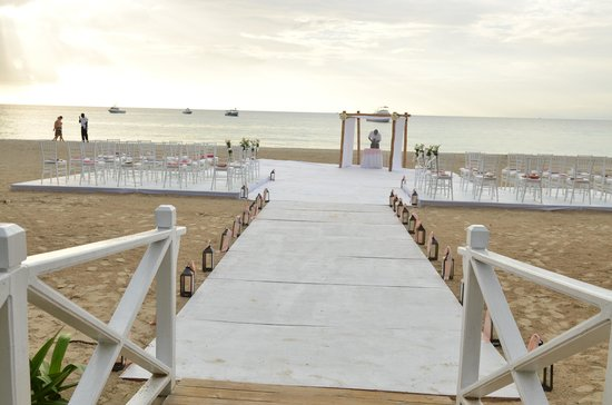 Beaches Negril Resort & Spa: Wedding ceremony site