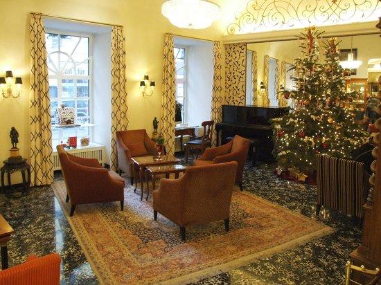 Hotel Stefanie: Lobby